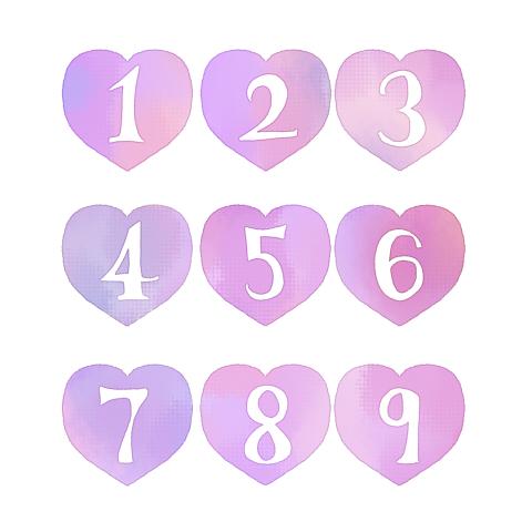 手描きの数字が白抜きされたピンクハート素材