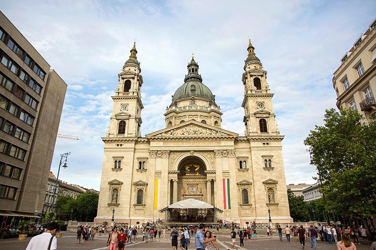 ブダペスト観光 聖イシュトヴァーン大聖堂の営業時間や入場料やアクセス方法を解説!近くの人気店ジェラート ローザもおすすめ