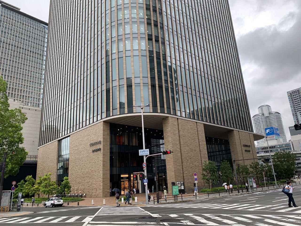 コンラッド大阪ホテルに宿泊!!ヒルトン・ゴールドの特典は?!部屋、ラウンジ情報も