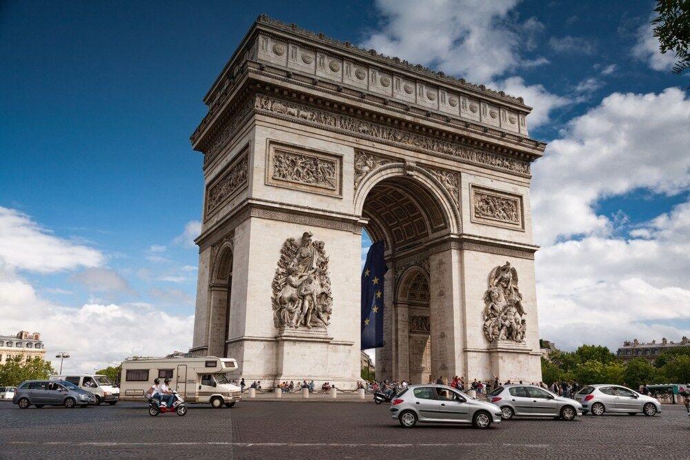 【宿泊記】パリ・マリオット・シャンゼリゼ・ホテルはアクセス最高の5つ星ホテル!目の前はシャンゼリゼ通りで凱旋門にも近い!