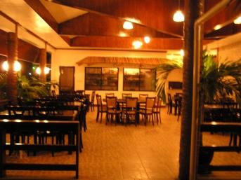 サンシャインシンビーチリゾートレストラン夜