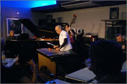 内田浩誠 With 鍋島直昶カルテット、ジャジーな大人のライブでした ...