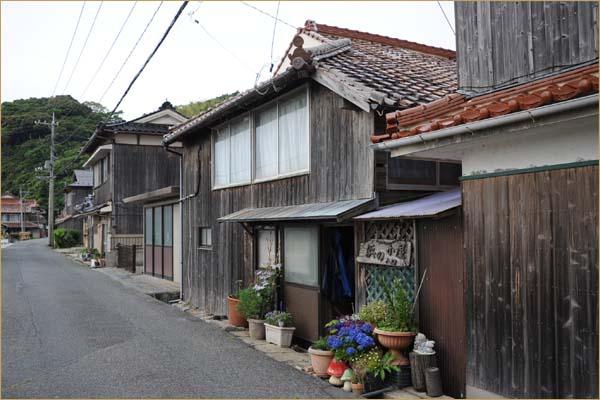 20120604_浜の小屋_01