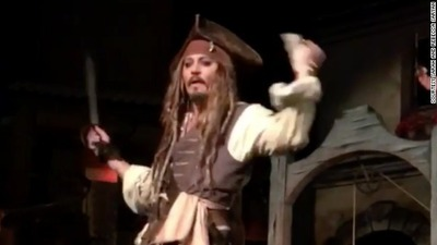 03-johnny-depp-capt-jack-sparrow-disney-story-top