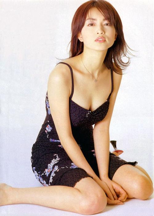 大人の魅力!女優・長谷川京子さんの画像!水着にグラビア!【千葉県出身】 : ミルフィーユ速報