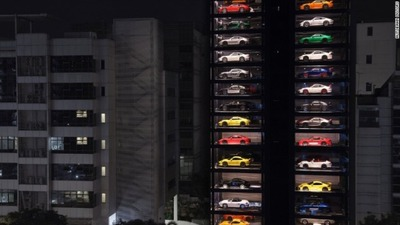 singapore-luxury-car-vending-machine