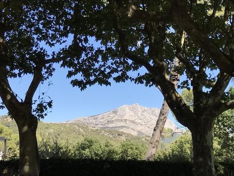 レ ロッジホテルから見たサントビクトワール山