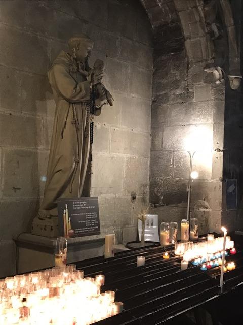 聖堂マリア像