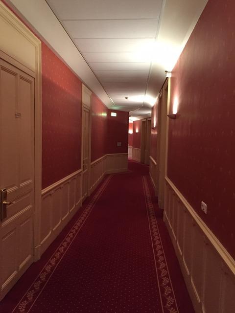 テルミナスホテル廊下
