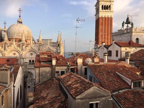 テラスから見たサンマルコ寺院