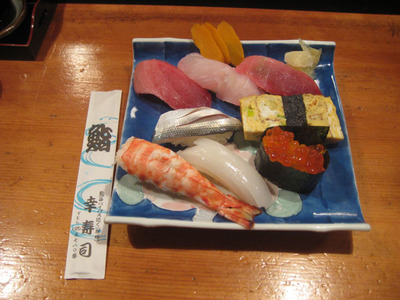 夕飯は寿司