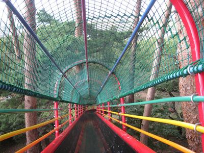 華蔵寺公園の滑り台