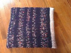 割き編みのクッションカバーの完成です