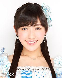 250px-2014年AKB48プロフィール_渡辺麻友