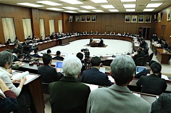 16憲法審査会