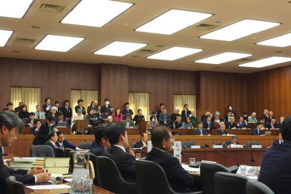 1-170316衆憲法審査会