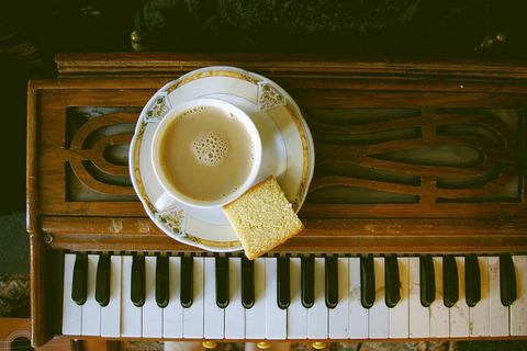鍵盤と珈琲