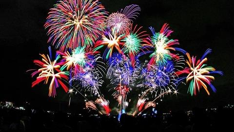 Kichan 鮮やかな色の花火 20140827