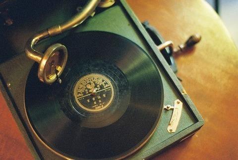 レコード蓄音機