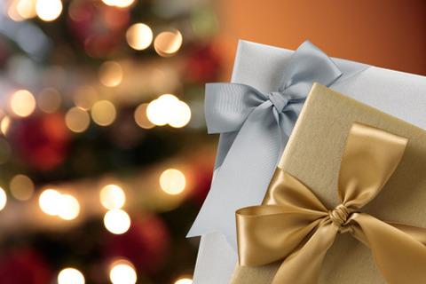 クリスマス グレーとゴールドのプレゼント 2015.12.15