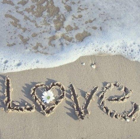 波打ち際の砂に書いたLOVE20140620
