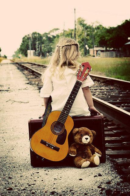 線路ギターベアー女の子