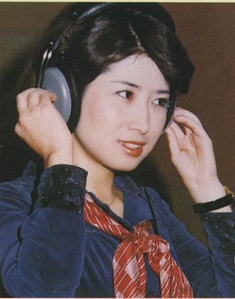 三浦弘子ヘッドフォン