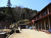 s-16 雲取山荘前
