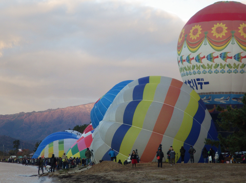 熱気球琵琶湖横断a