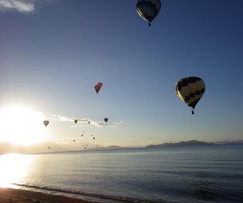 熱気球琵琶湖横断s