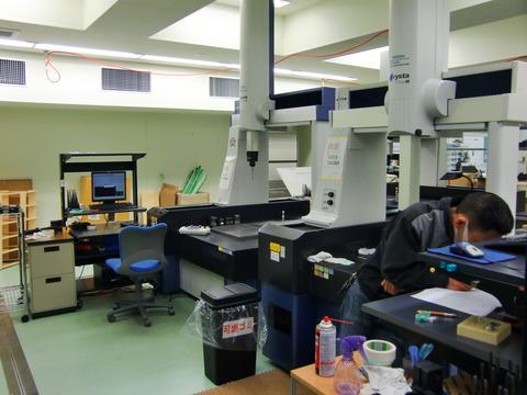 4台の三次元測定機で検査業務のみでも対応可能です-10