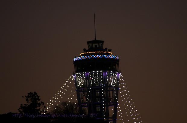 この灯台のイルミネーションが 嫌いです。 イカみたいだ・・・ ^^