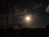 石・テラスからの満月