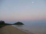 石・浦底湾の朝