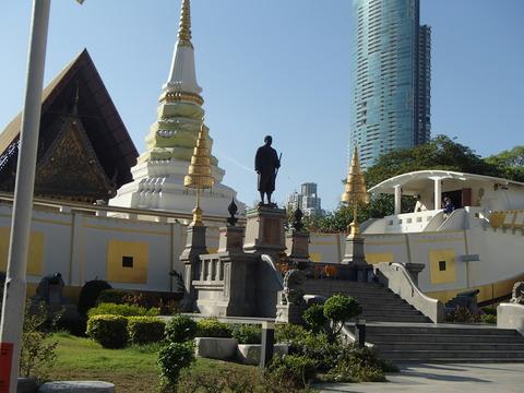 消えゆくジャンク船のメモリアルとしての寺―タイ・バンコク/ワット・ヤーンナーワー