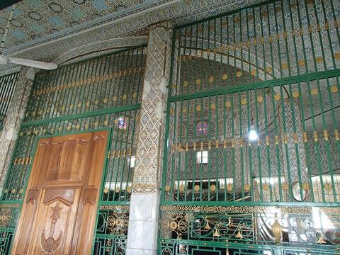 ムリッド教団の創始者アフマド・バンバの遺体が祀られた建物と図書館―セネガル・トゥーバ