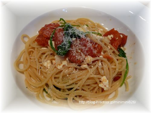 チェリートマト、リコッタ、ほうれん草のスパゲッティ①-1