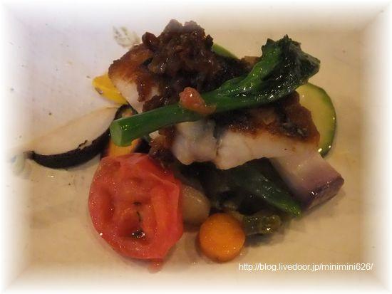 お魚料理(イサキのソティー ドライトマトソース)③-1