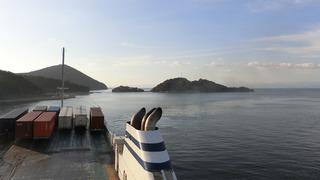 小豆島坂手港到着