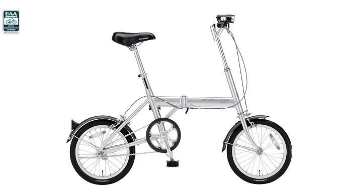 お客さんと一緒に自転車を選ぶ ...