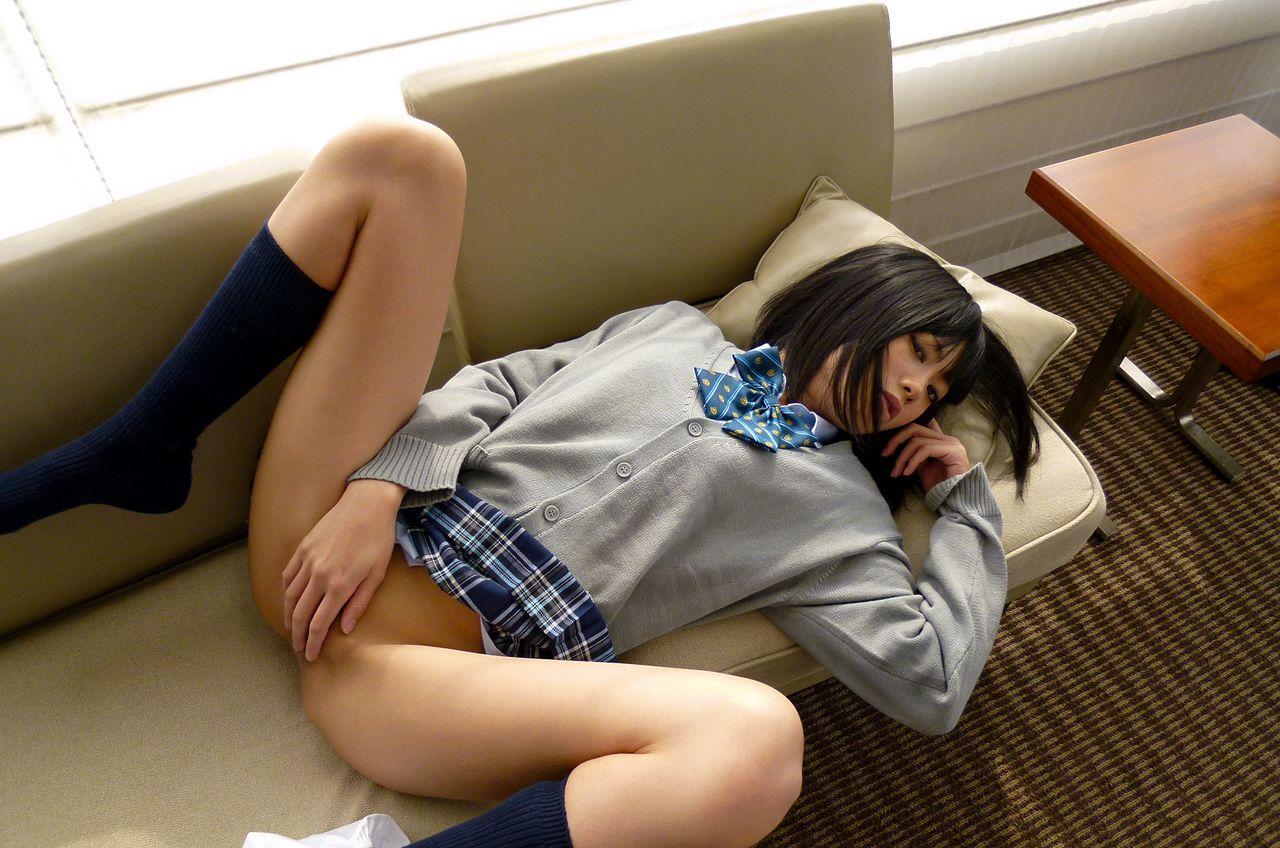 JC JK スカート 無修正 パンティーだけ脱いだ女子校生制服姿のエロ過ぎる格好してる画像