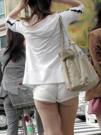 ホットパンツ と お尻 エロ画像 (3)