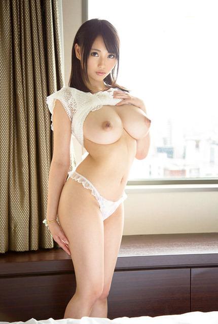 巨乳おっぱい エロ画像 (13)