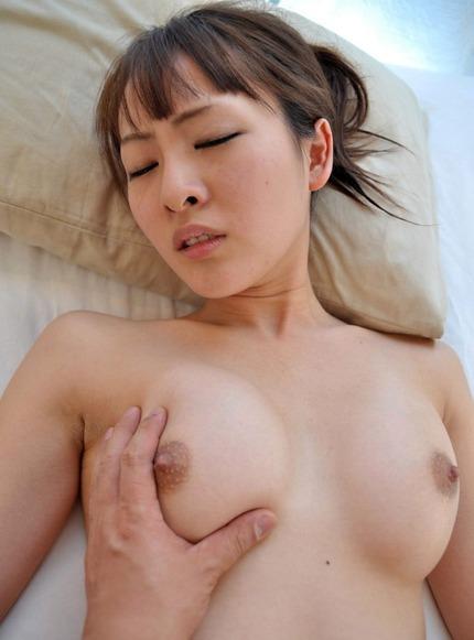 美乳おっぱい エロ画像 (15)