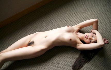 裸・ヌード おっぱいと陰毛見えてるエロ画像 (16)