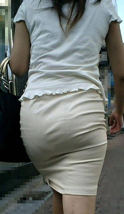 タイトスカートの 尻 エロ画像 (4)