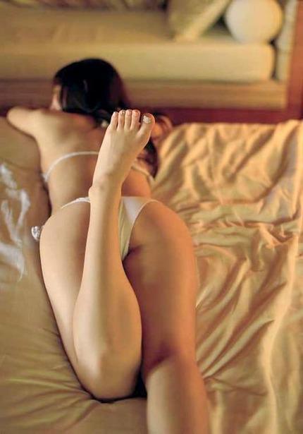 足指フェチのエロ画像 (24)