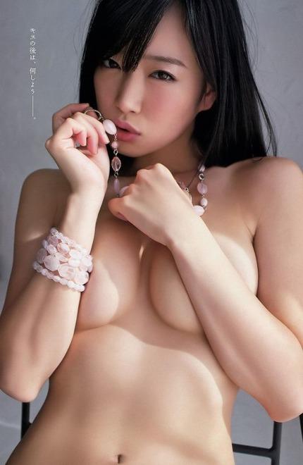 手ぶらおっぱいのエロ画像 (14)