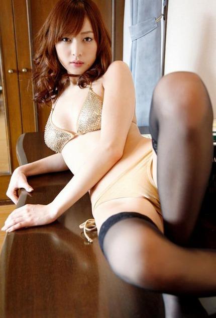 セクシーポーズのお姉さん エロ画像 (6)