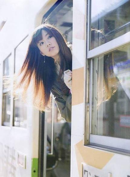 清楚なお姉さん エロ画像 (22)